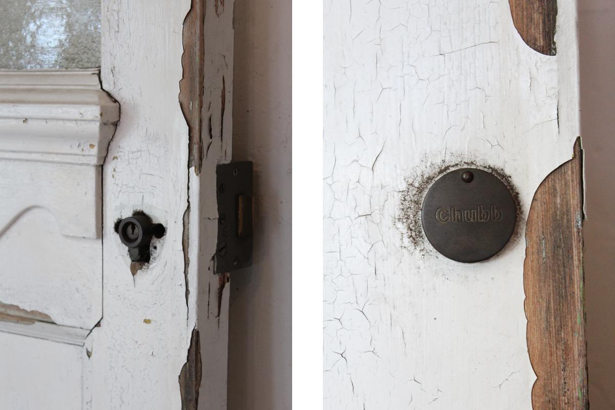 全国送料無料,ペンキの剥がれたドア,アンティークドア