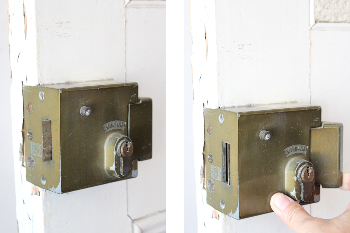 全国送料無料,アンティークドア,ペンキの剥がれたドア