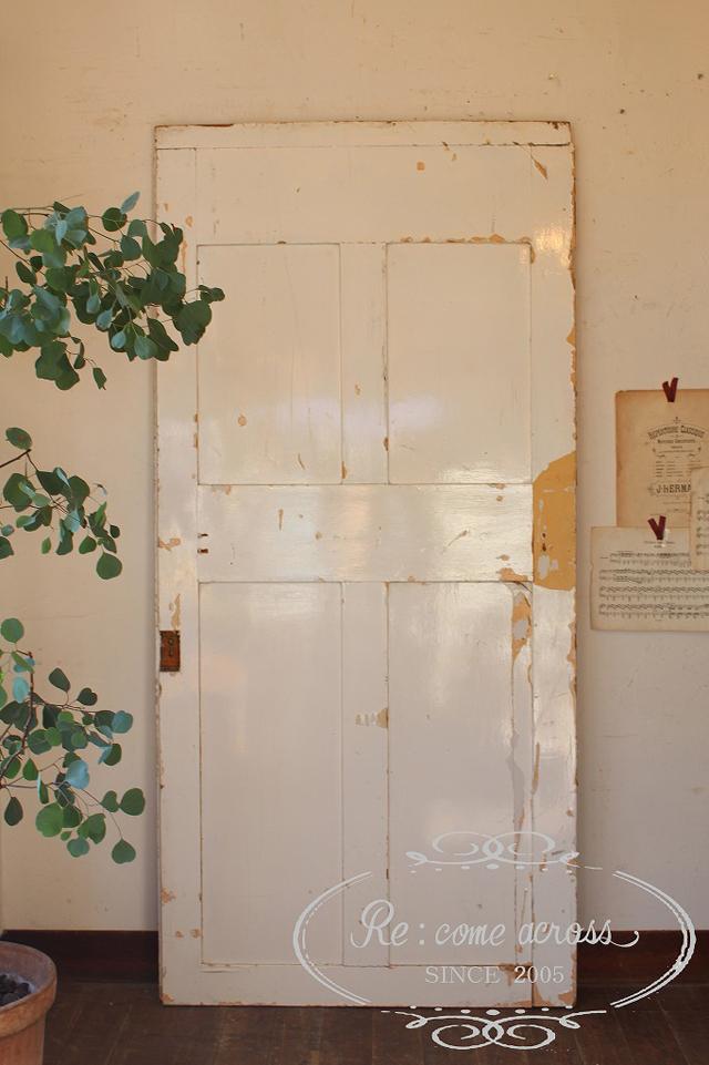 イギリスの古い ホワイト×オフホワイトドア・パネルドア・建具