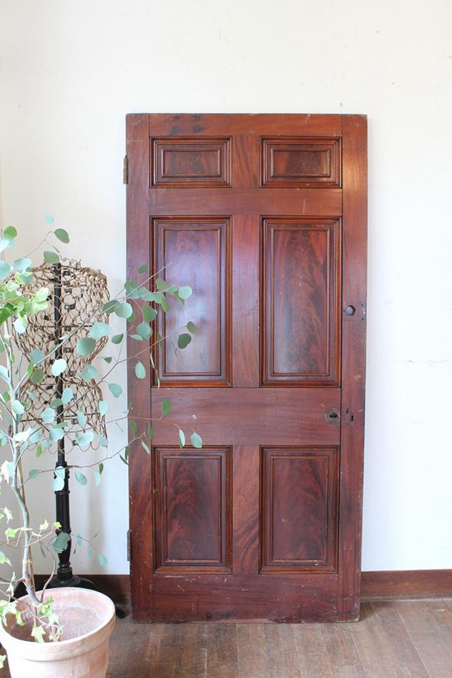 国アンティーク ブラウンのドア