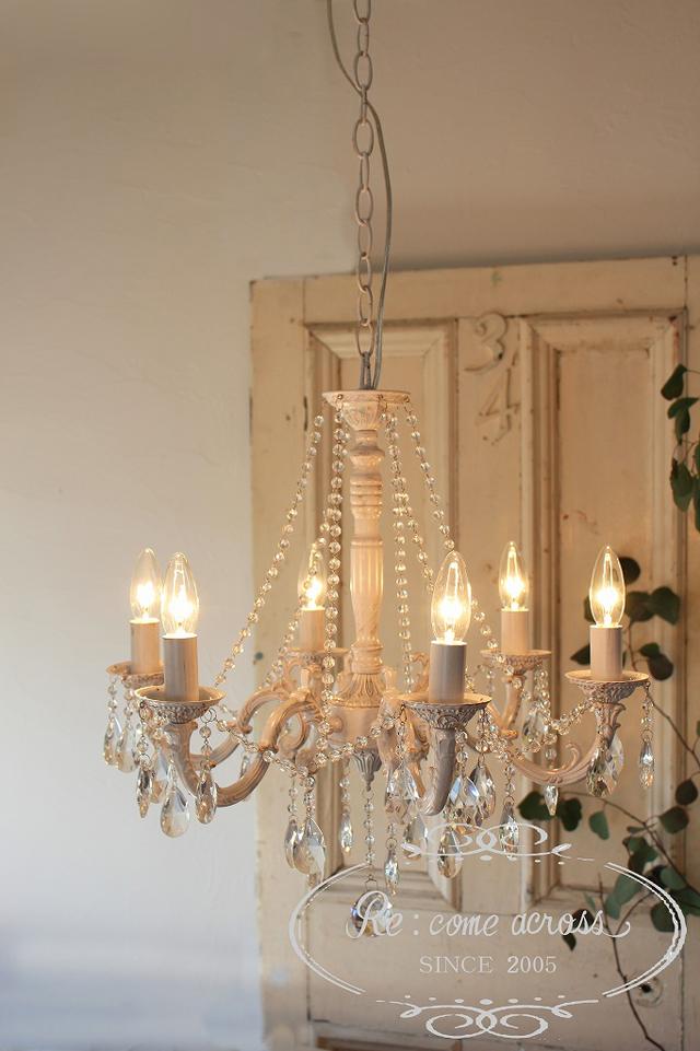 シャビーシック Style 6灯のシャンデリア・クリスタルシャンデリア