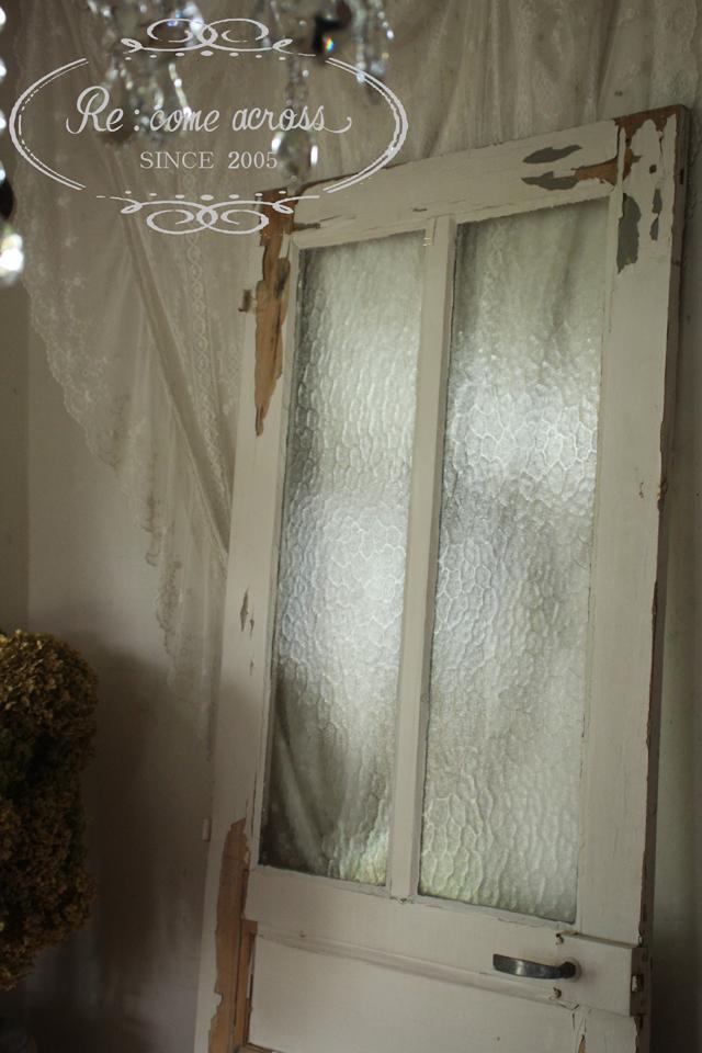 フランスブロカントガラスがはめ込まれたドア ペイントドア