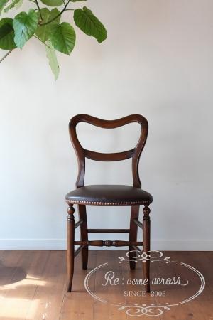英国アンティークスタイルのバルーンバックチェア ・ 椅子