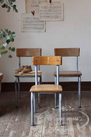 イギリスの古い 小振りなスクールチェア・椅子