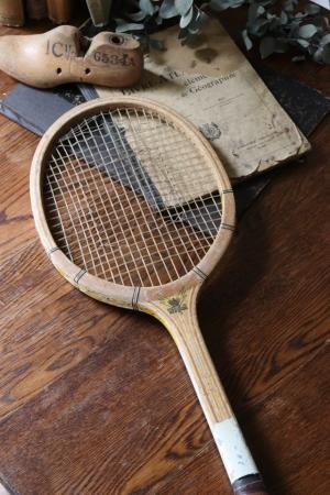 古い 木製テニスラケット