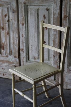 イギリスの古い クリーム色のペイントチェア 椅子
