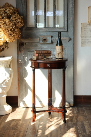 英国アンティークスタイル マホガニー材 サイドテーブル 花台