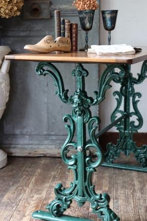 イギリスの古い グリーンのアイアンフットデスク 鉄脚 机