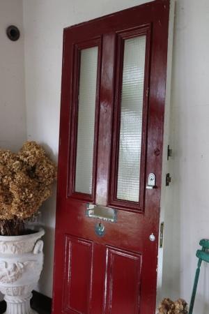 イギリスの古い レッド×ホワイト ガラスがはめ込まれた2色のペイントドア 建具